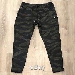 Air Jordan Flight Tech Fleece Camo Pants Joggers Ah6166-010 Mens Size L