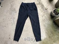 Lululemon Mens ABC Jogger Medium Navy Blue Active Pant 30 Inseam