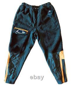 NEW Nike Sportswear Green Sherpa Fleece Joggers Sweatpants BV4607-355 Size M
