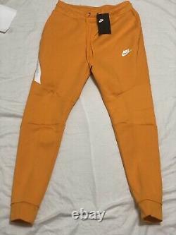Nike Sportswear Tech Fleece Joggers Slim Fit 805162-886 Kumquat Men's Sz Small