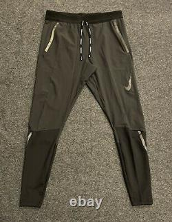 Nike Swift Flex Reflective Trim Black Slim Fit Running Pants BV4809-010 SMALL