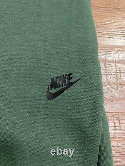 Nike Tech Fleece Jogger Pants Sweatpants Green Black 805162-370 Size Small