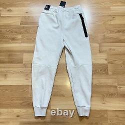 Nike Tech Fleece Slim Fit Jogger Pants Size Large Light Bone NSW CU4495 072 New