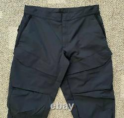 Nike Tech Pack Men's Woven Cargo Pants Size Large DC6985 010 MMW style